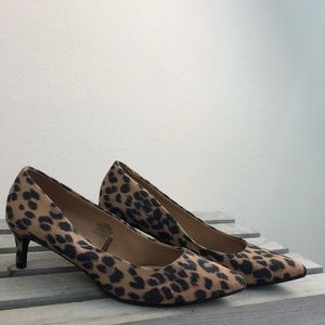 Old Navy Leopard Print Pumps Size 7